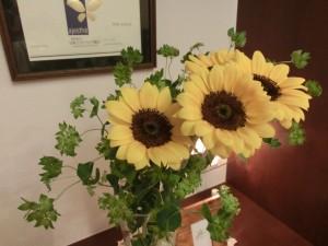 エステサロン玄関のお花